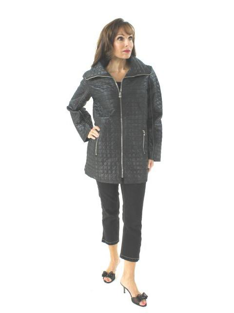 Elegant and Light Black Quilted Jacket with Peacock Print Lining