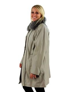 Woman's Bone Lambskin Leather Stroller