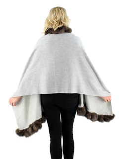 Gorski Woman's Light Grey Cashmere Wool Stole