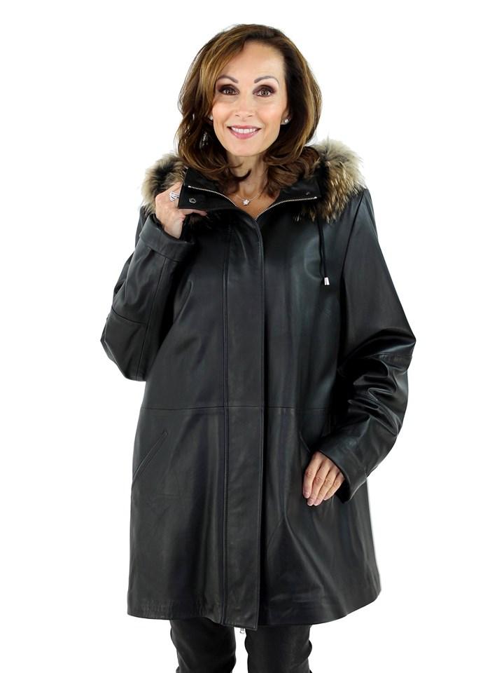 Woman's Black Leather Stroller with Detachable Finn Raccoon Trimmed Hood