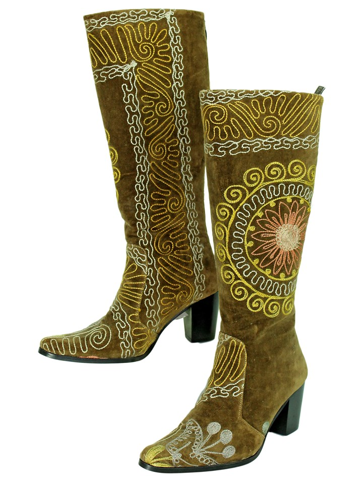 Brown Velvet Embroidary Boots Size 5.5