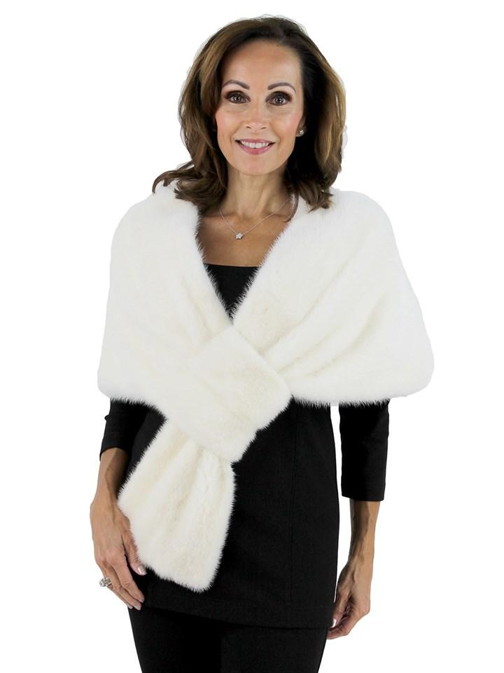 Woman's Fancy White Mink Fur Stole